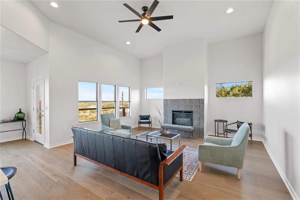 ActiveUnderContract   17837 Panorama Drive Dripping Springs, TX 78620 6