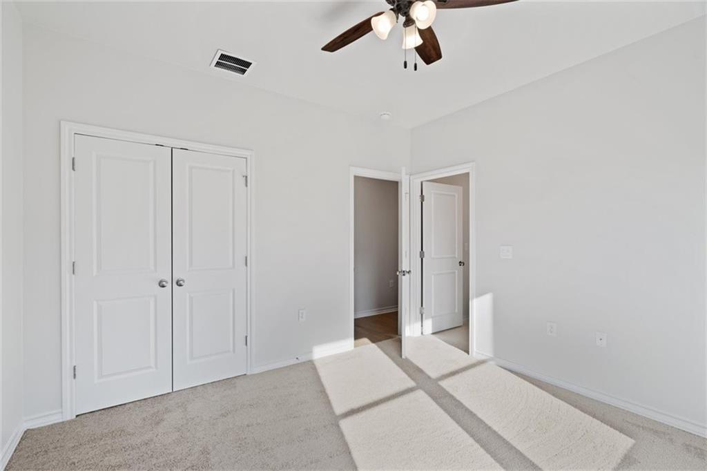 ActiveUnderContract   17837 Panorama Drive Dripping Springs, TX 78620 19