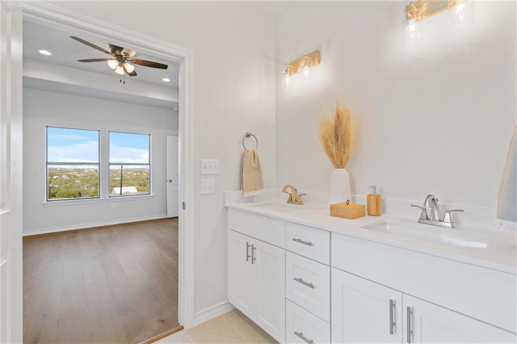 ActiveUnderContract   17837 Panorama Drive Dripping Springs, TX 78620 25