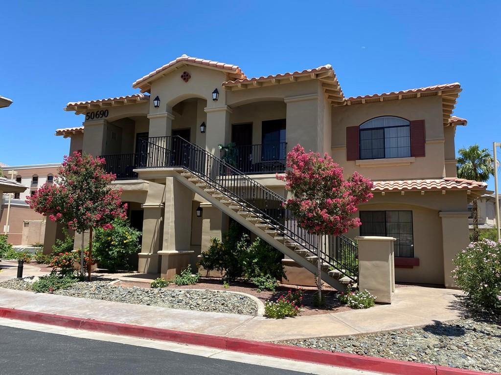 Active   50690 Santa Rosa Plaza #1 La Quinta, CA 92253 18