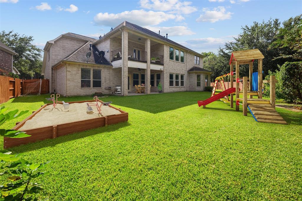 Active   11901 Shore Pointe Drive Pearland, Texas 77584 40