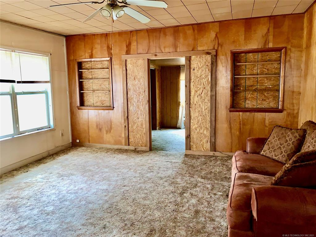 Off Market   209 N Mayes Street Locust Grove, Oklahoma 74352 1