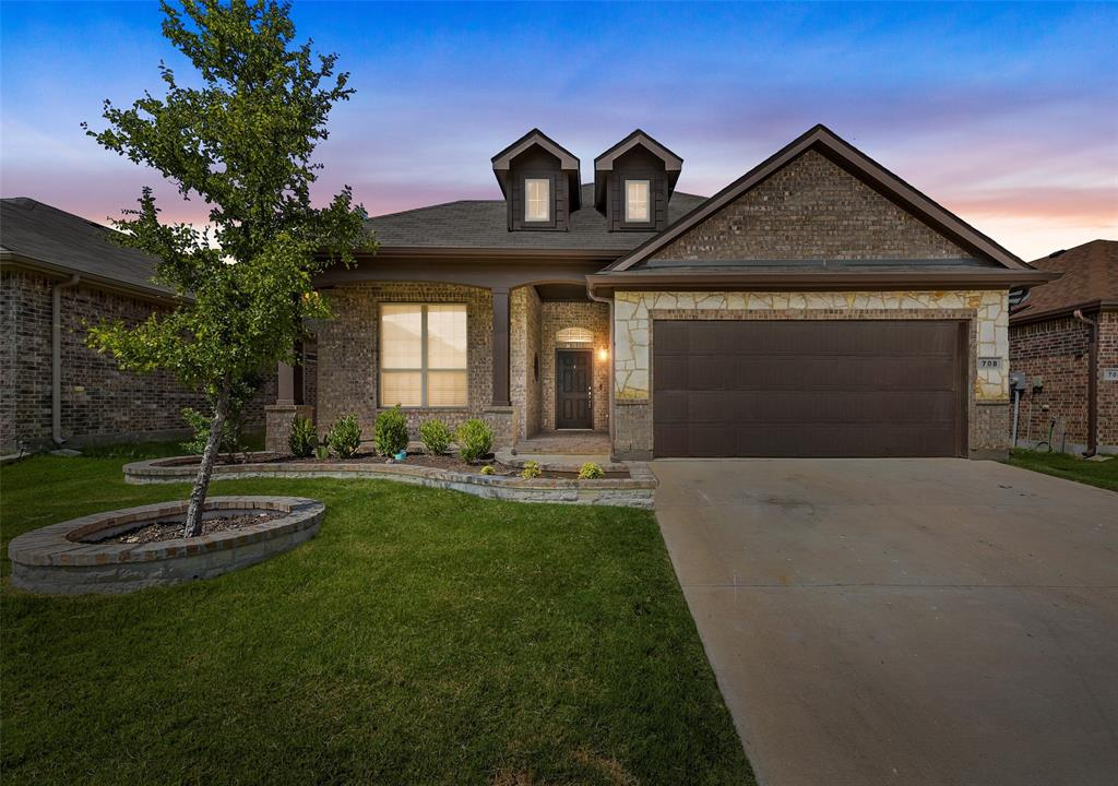 Pending | 708 Gold Hill Trail Fort Worth, Texas 76052 0