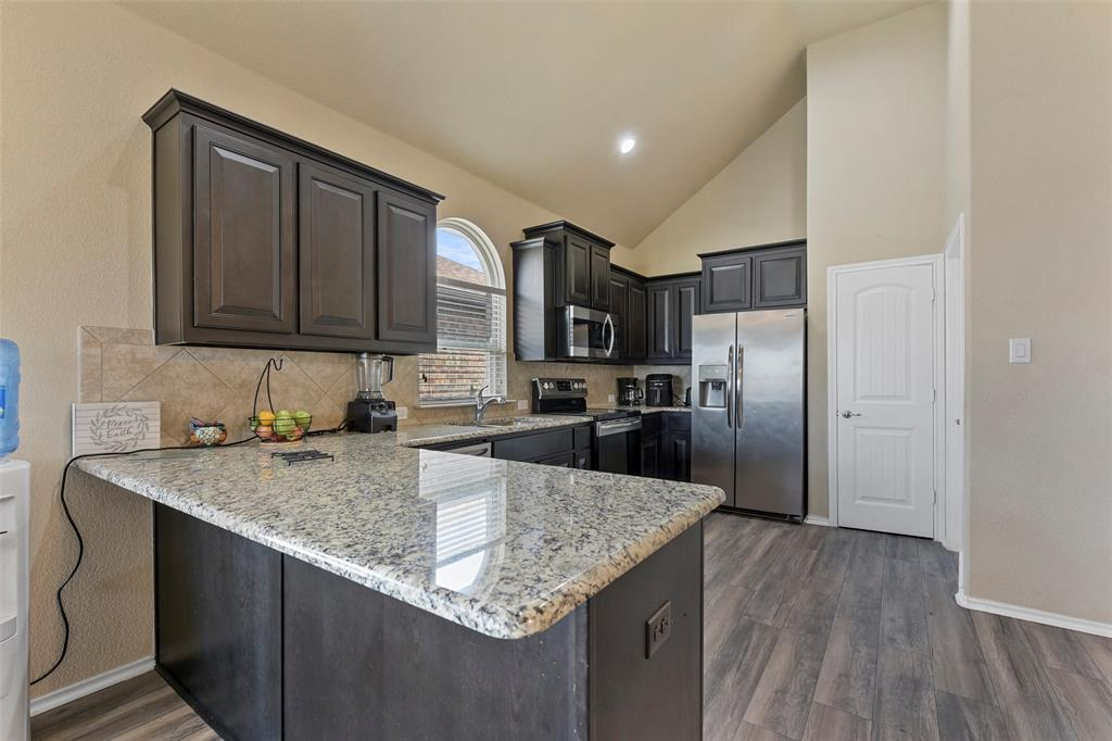 Pending | 708 Gold Hill Trail Fort Worth, Texas 76052 15