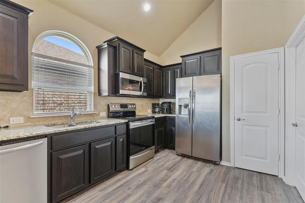 Pending | 708 Gold Hill Trail Fort Worth, Texas 76052 16