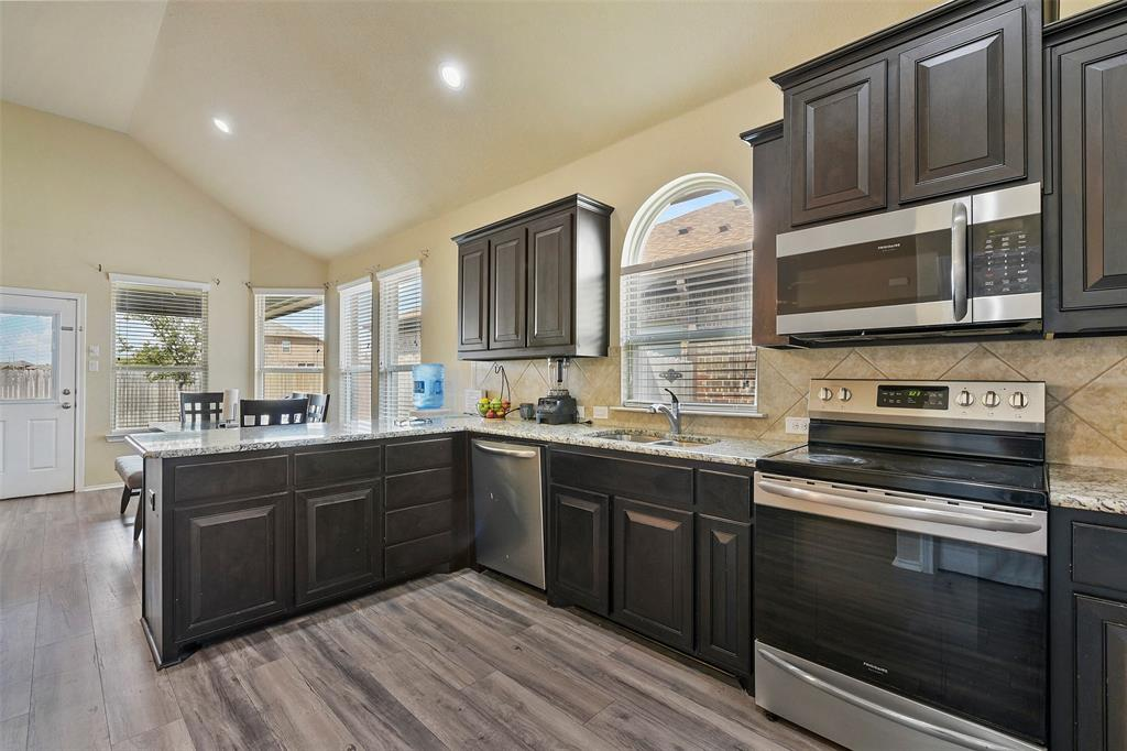 Pending | 708 Gold Hill Trail Fort Worth, Texas 76052 17