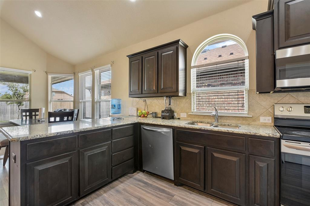 Pending | 708 Gold Hill Trail Fort Worth, Texas 76052 19