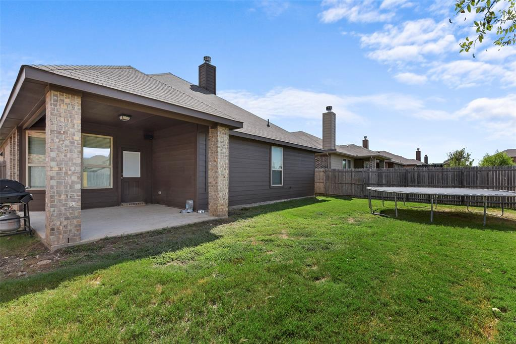 Pending | 708 Gold Hill Trail Fort Worth, Texas 76052 31