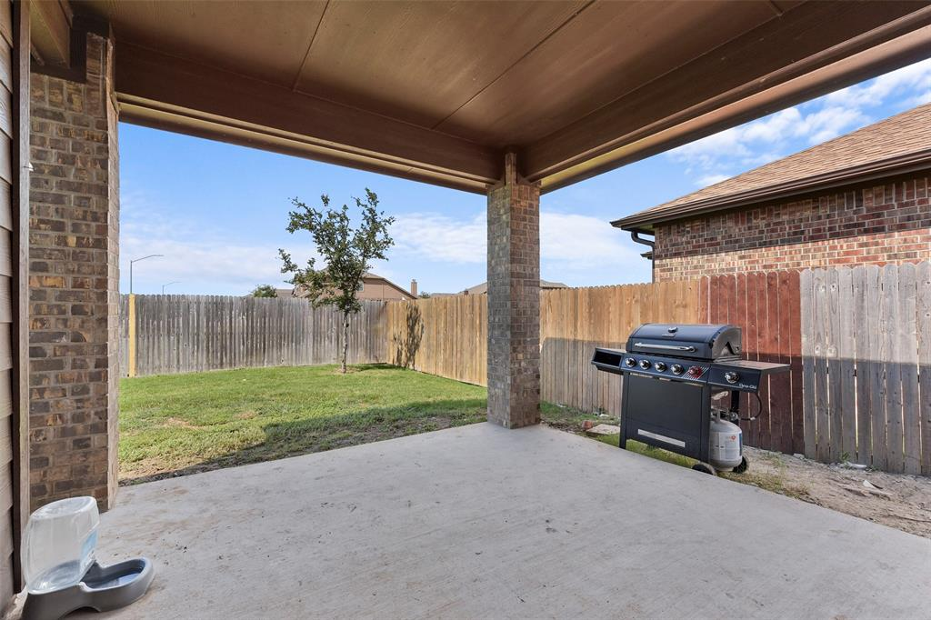 Pending | 708 Gold Hill Trail Fort Worth, Texas 76052 32