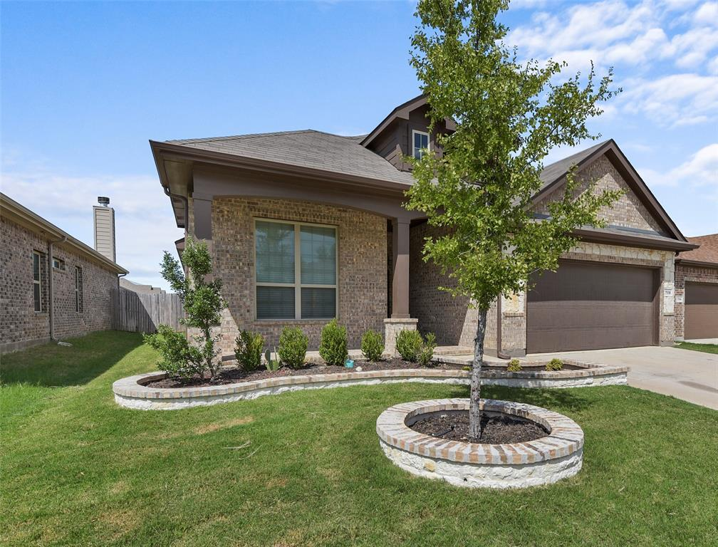 Pending | 708 Gold Hill Trail Fort Worth, Texas 76052 3