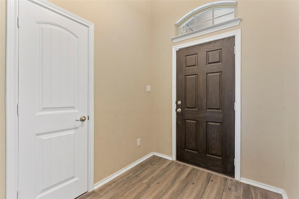 Pending | 708 Gold Hill Trail Fort Worth, Texas 76052 5
