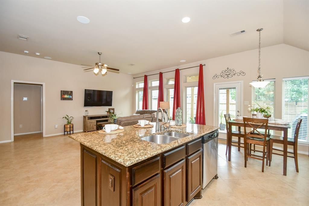 Pending | 13612 Evening Wind Drive Pearland, Texas 77584 12