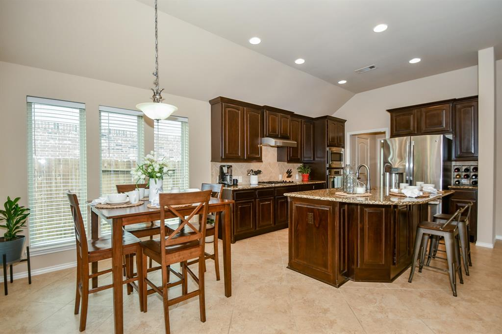 Pending | 13612 Evening Wind Drive Pearland, Texas 77584 14