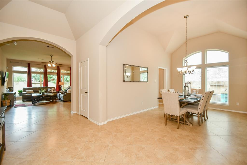 Pending | 13612 Evening Wind Drive Pearland, Texas 77584 8