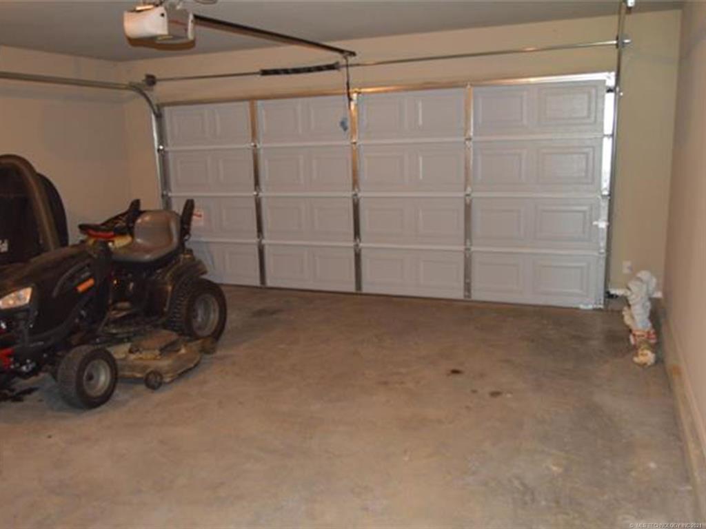 Off Market   11101 N 133rd East Avenue Owasso, Oklahoma 74055 23