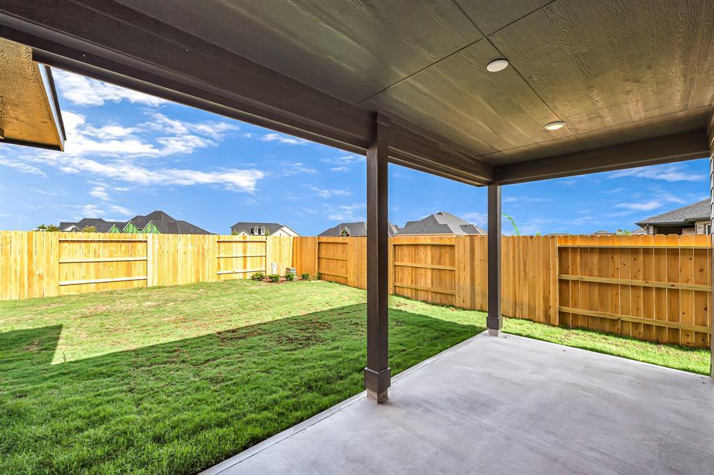 Active   5518 Austin Bend Lane Fulshear, Texas 77441 32