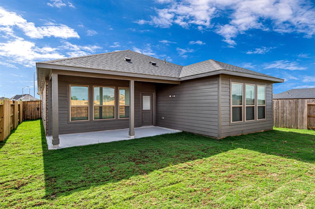 Active   5518 Austin Bend Lane Fulshear, Texas 77441 34