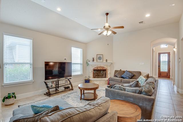 Active Option | 8907 Cimarron Route San Antonio, TX 78255 10