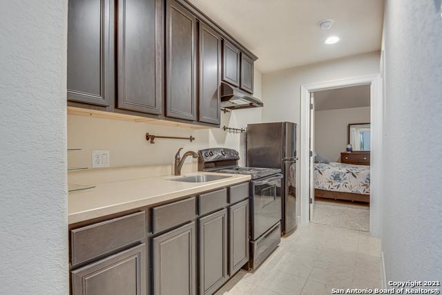 Active Option | 8907 Cimarron Route San Antonio, TX 78255 23