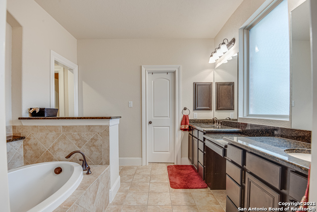 Active Option | 8907 Cimarron Route San Antonio, TX 78255 28