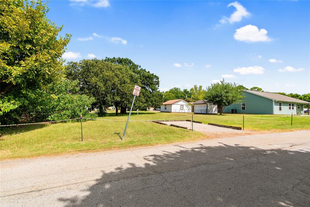 Active   306 Boliver Avenue Lake Dallas, Texas 75065 16