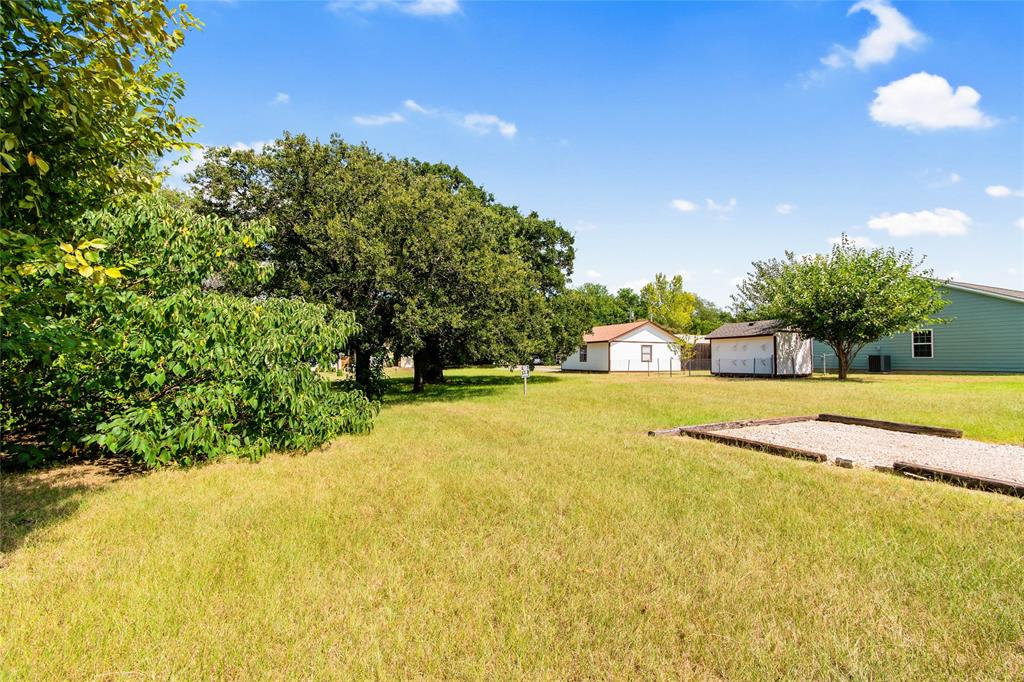 Active   306 Boliver Avenue Lake Dallas, Texas 75065 17