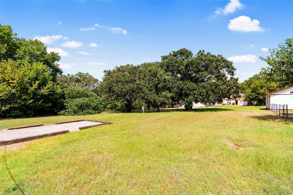 Active   306 Boliver Avenue Lake Dallas, Texas 75065 19