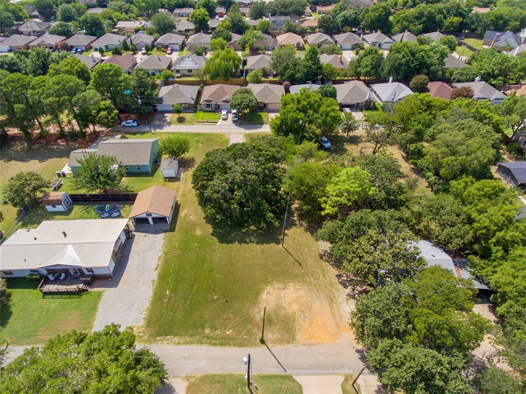 Active   306 Boliver Avenue Lake Dallas, Texas 75065 8