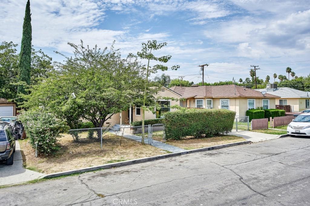 ActiveUnderContract | 1572 Belle Street San Bernardino, CA 92404 2