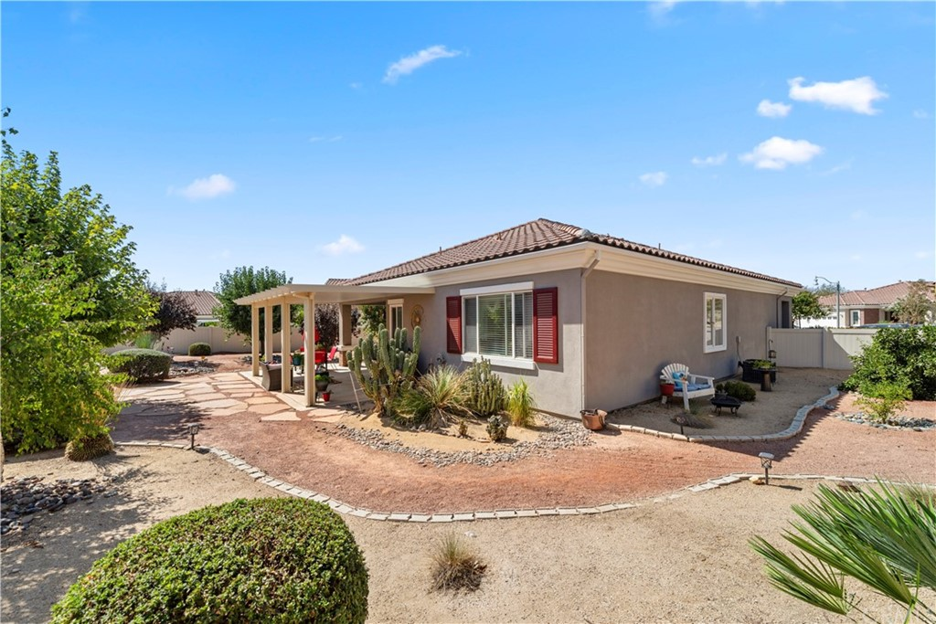 Closed   817 Sherwood Court Beaumont, CA 92223 22