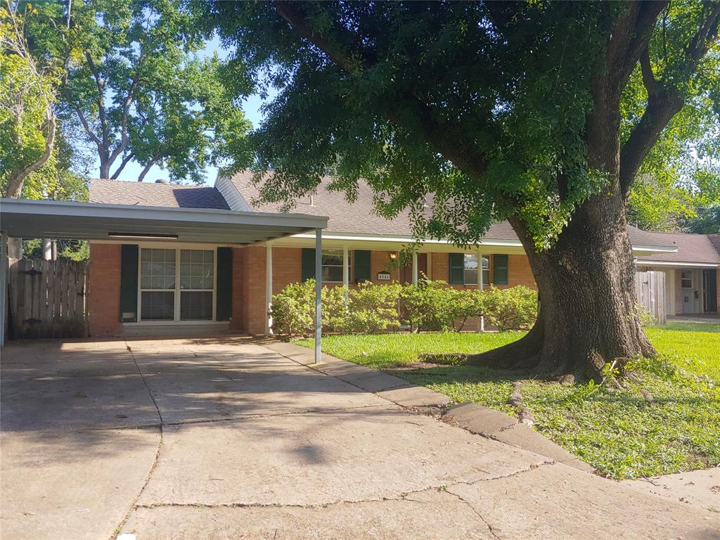 Pending   4546 Sanford Road Houston, Texas 77035 2