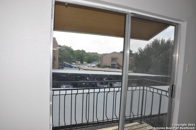 Active Option | 923 VANCE JACKSON RD #1004 San Antonio, TX 78201 9