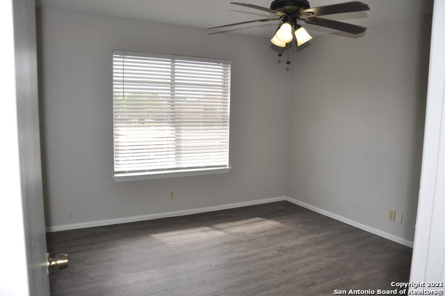 Active Option | 923 VANCE JACKSON RD #1004 San Antonio, TX 78201 10
