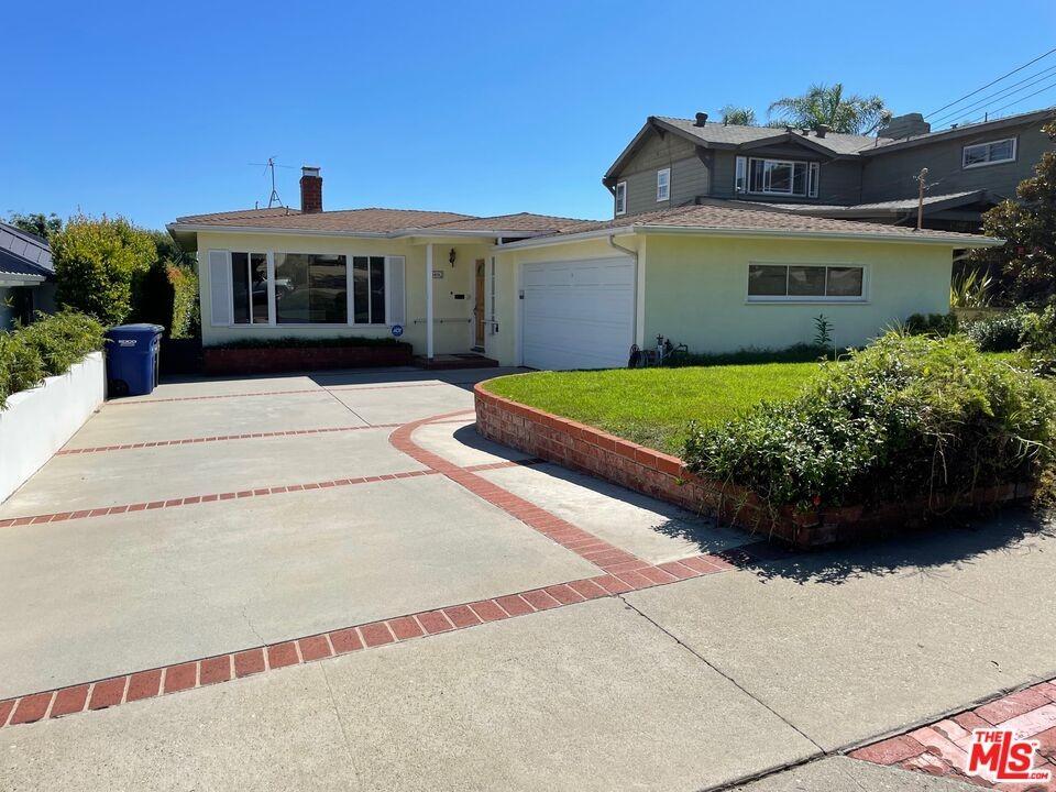 Pending | 1418 E Oak Avenue El Segundo, CA 90245 2