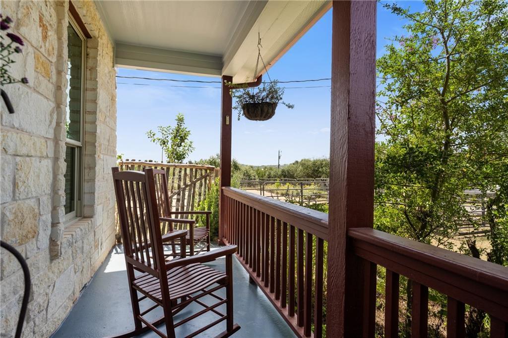 Pending   10251 Twin Lake Loop Dripping Springs, TX 78620 5