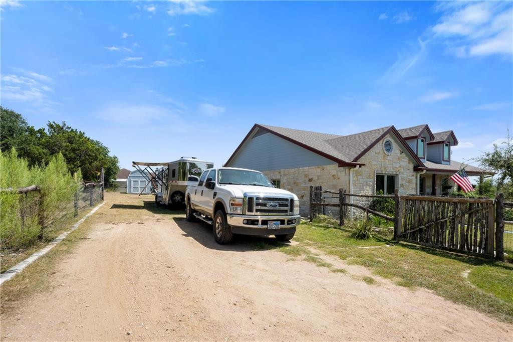 Pending   10251 Twin Lake Loop Dripping Springs, TX 78620 31