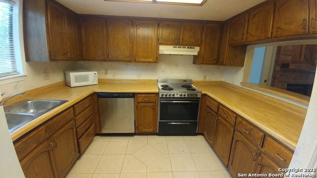 Off Market   6409 Brookway Dr San Antonio, TX 78240 15