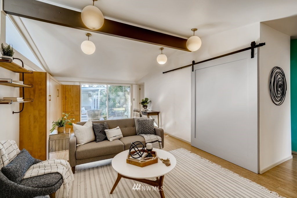 Sold Property | 18021 42nd Avenue S SeaTac, WA 98188 4