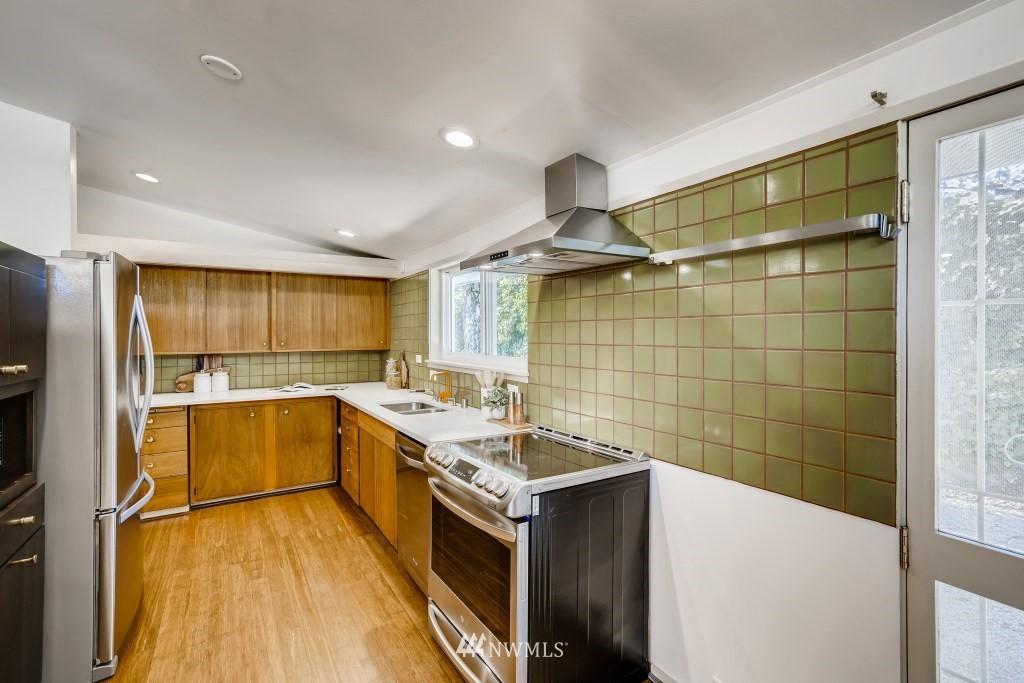 Sold Property | 18021 42nd Avenue S SeaTac, WA 98188 11
