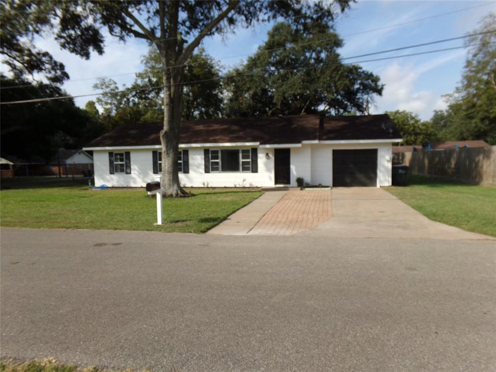 Restored home perfect for new family or downsizing! | 1345 Tauber Lane Sealy, Texas 77474 0