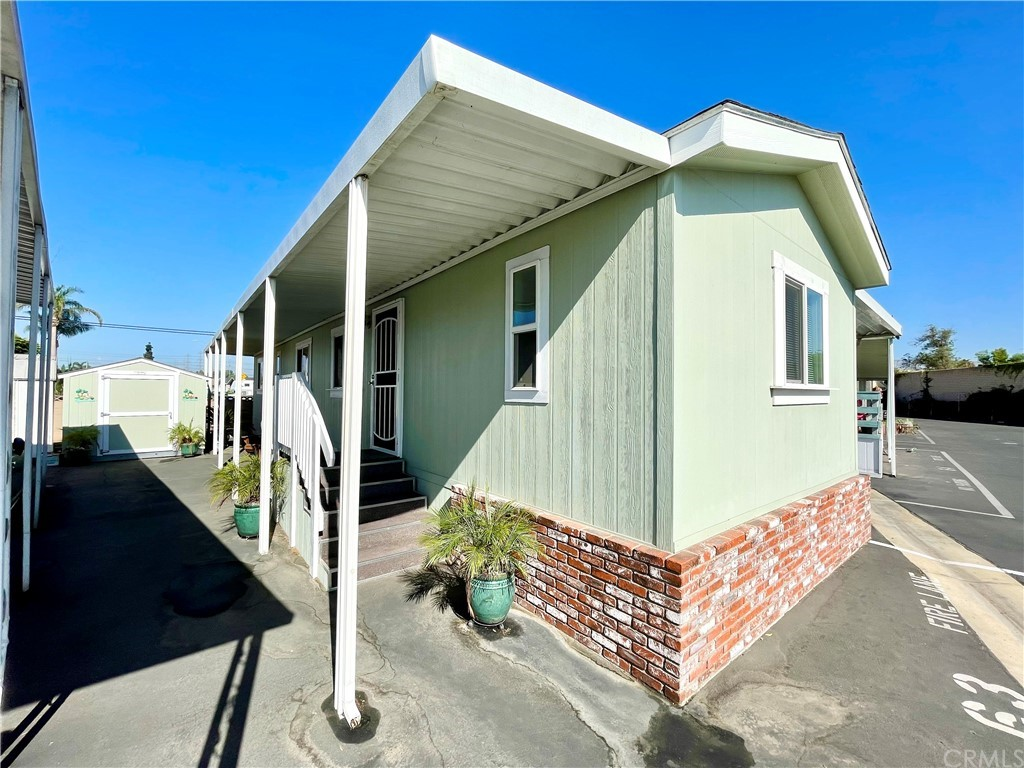 Active   20806 Gridley Road #63 Lakewood, CA 90715 2