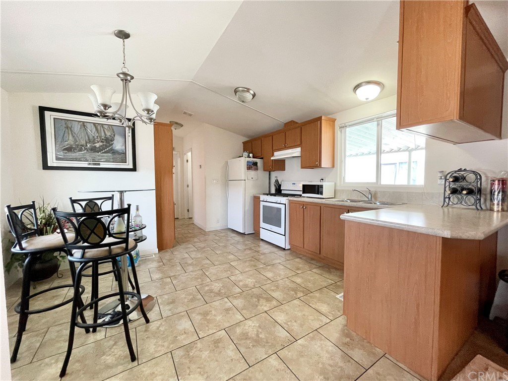 Active   20806 Gridley Road #63 Lakewood, CA 90715 9
