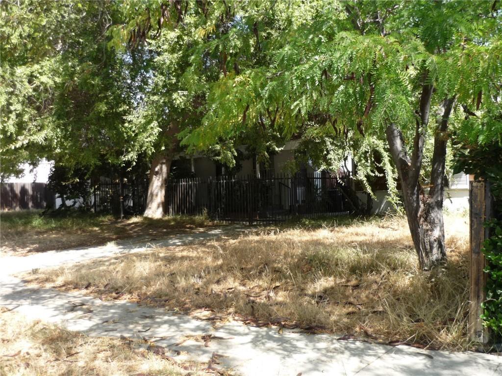 Pending | 1320 N Lincoln Street Burbank, CA 91506 7