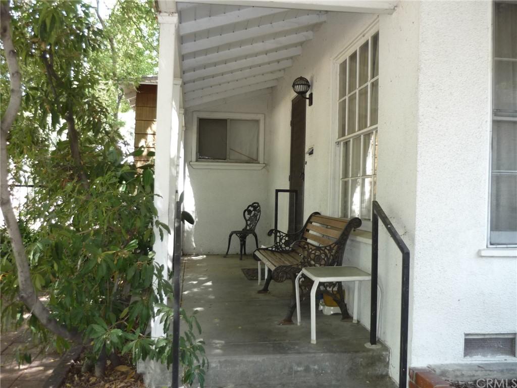Pending | 1320 N Lincoln Street Burbank, CA 91506 2