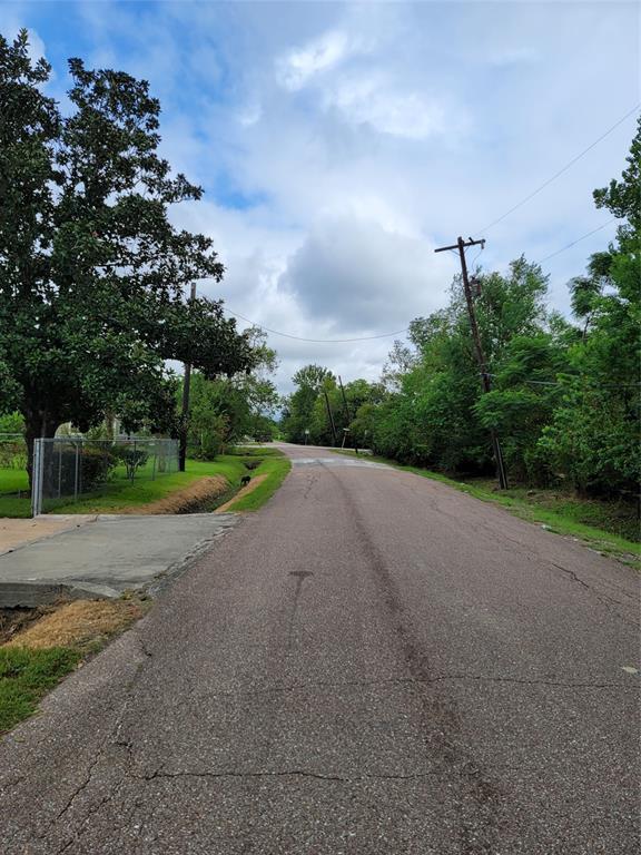 Active   0 Pederson Street Houston, Texas 77033 3