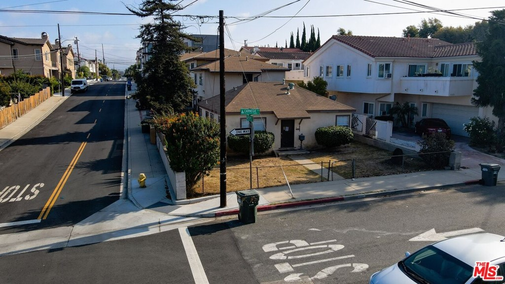 Active | 2422 Carnegie Lane Redondo Beach, CA 90278 2