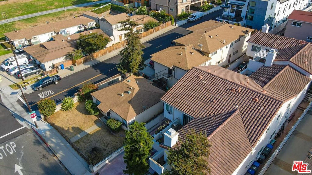 Active | 2422 Carnegie Lane Redondo Beach, CA 90278 4