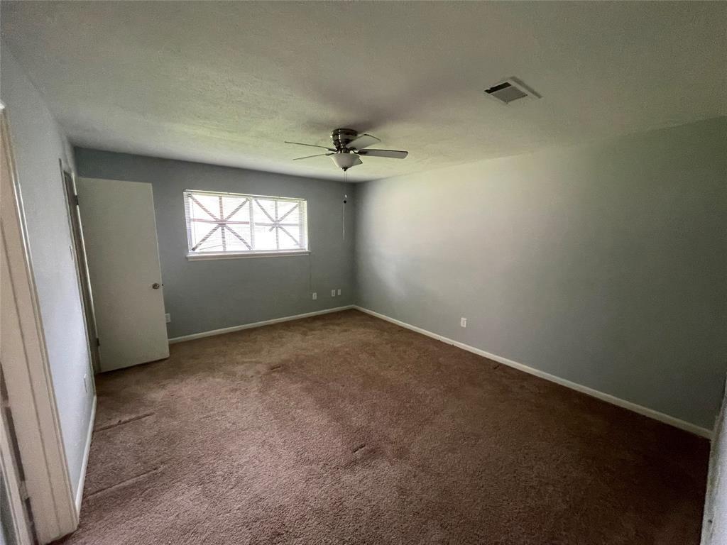 Off Market | 600 Pinebrook Lane Baytown, Texas 77521 5