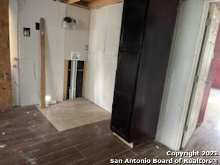 Pending | 771 Kirk Pl San Antonio, TX 78226 9
