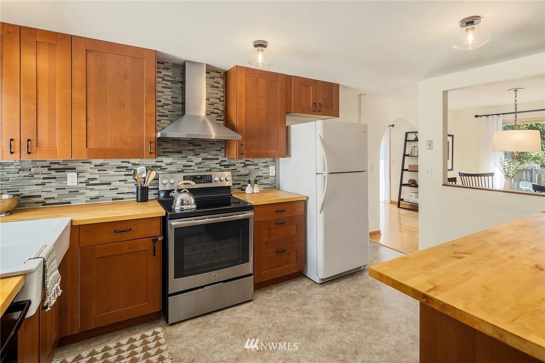 Sold Property | 3011 NE 194th Street Lake Forest Park, WA 98155 6